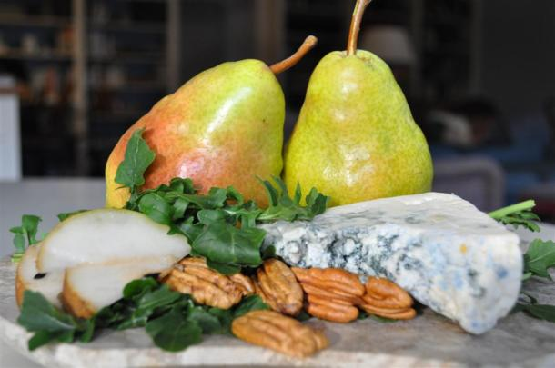 Arugula, Pears, Pecans, Blue Cheese For Salad