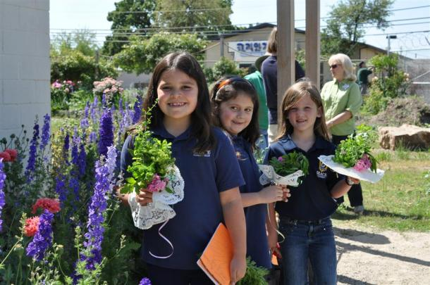 Tussie Mussies and First Graders Visit the Garden with Dallas County Master Gardeners