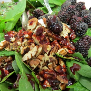 Spinach Salad with Blackberry Balsalmic Vinaigrette