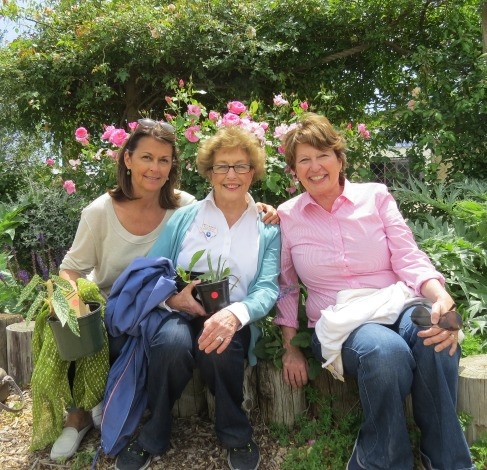 Betty with daughters Elizabeth Peck and Ann Lamb