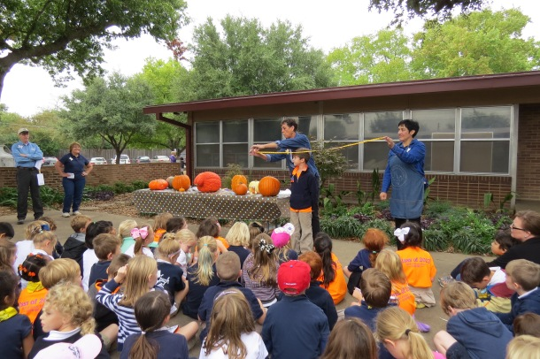 Lakewood -pumpkin measuring